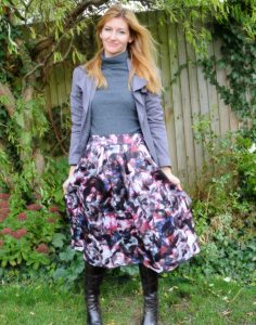Floral Midi Skirt for a Daytime Look